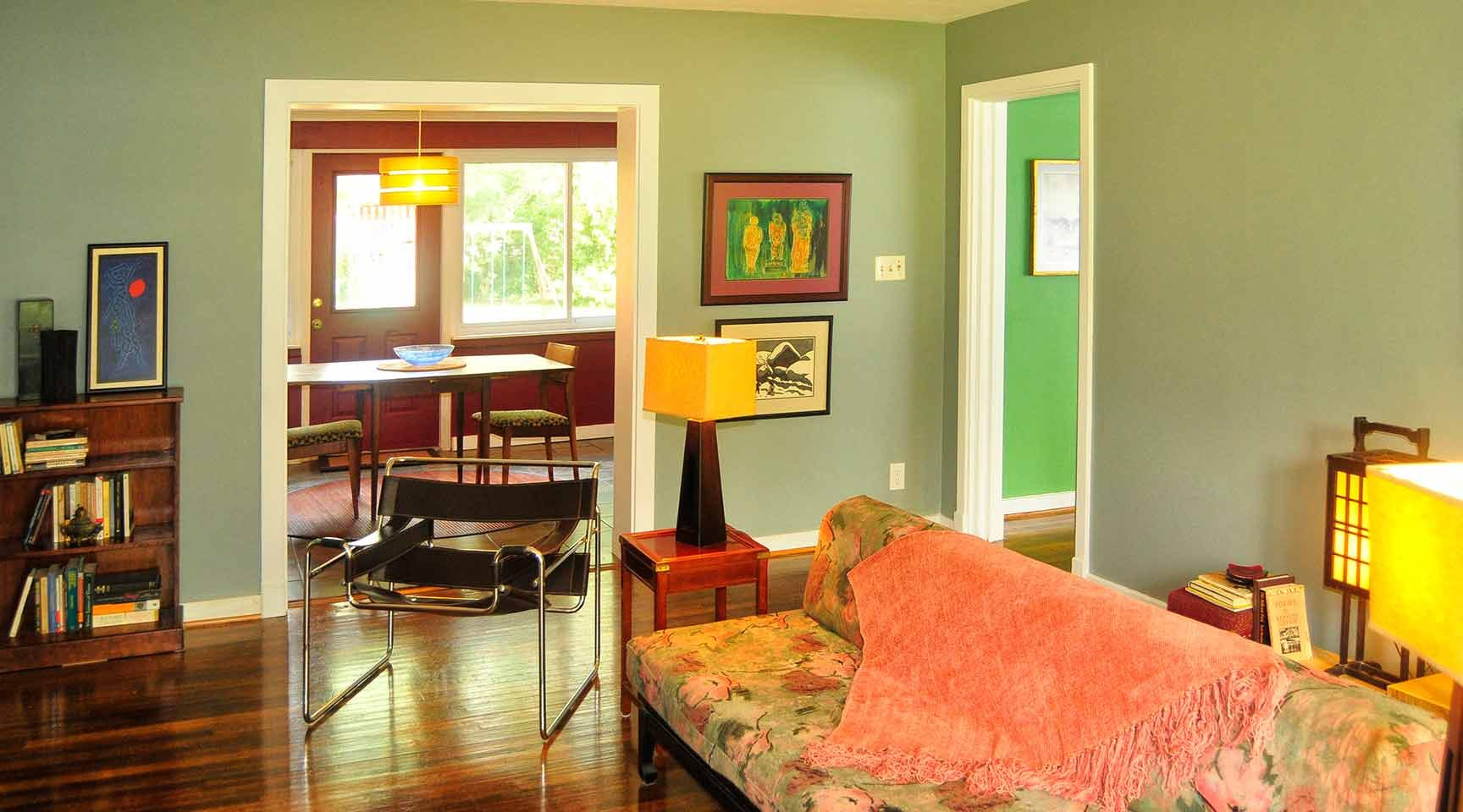 green-family-room-design