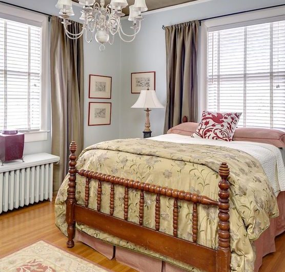 Louisville Interior Design, Louisville Home Staging, Louisville Bedroom DEsign, artwork, area rug, lighting