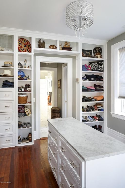 Louisville Home Staging, Louisville Interior Design, Louisville Renovation Design, walk-in closet, storage