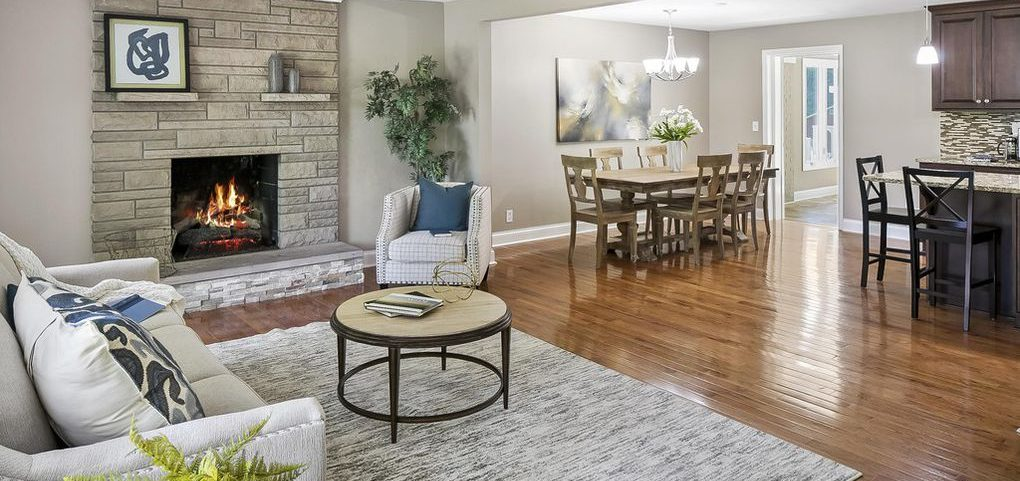 Louisville Home Staging, Louisville Interior Design, Louisville Renovation Design, area rug, custom back splash, lighting, kitchen island, kitchen island lightingartwork, hardwood flooring, accessories, fireplace, great room, dining room,